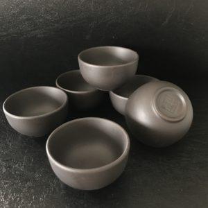 C005 théière chinoise terre cuite ou grès Yixing province de Jiangsu Chine. Pour le thé de Chine