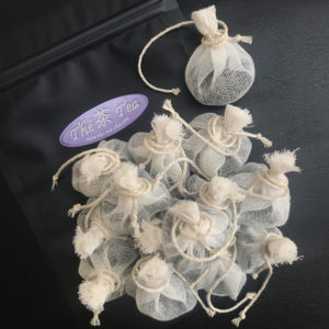 Mousseline de thé fabrication artisanale avec du coton biologique et du thé de qualité en feuilles à peine brisées