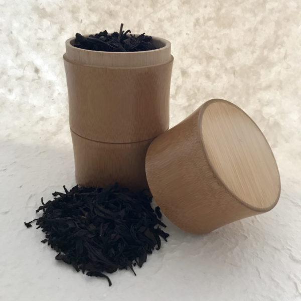 Boite à thé en bambou et thé de rocaille