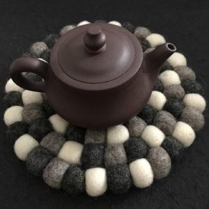 Dessous de plat en perles de laine du Népal N029