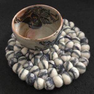 Dessous de plat en perles de laine du Népal N032